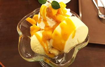 京都サンマルクカフェのマンゴーパフェ